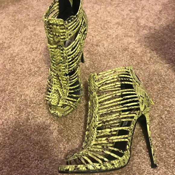 cfcea5fb3f4 Steve Madden Lime Green Snake Print Heels